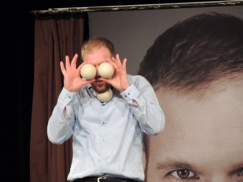 Timo Wopp, ein Jongleur der Meisterklasse