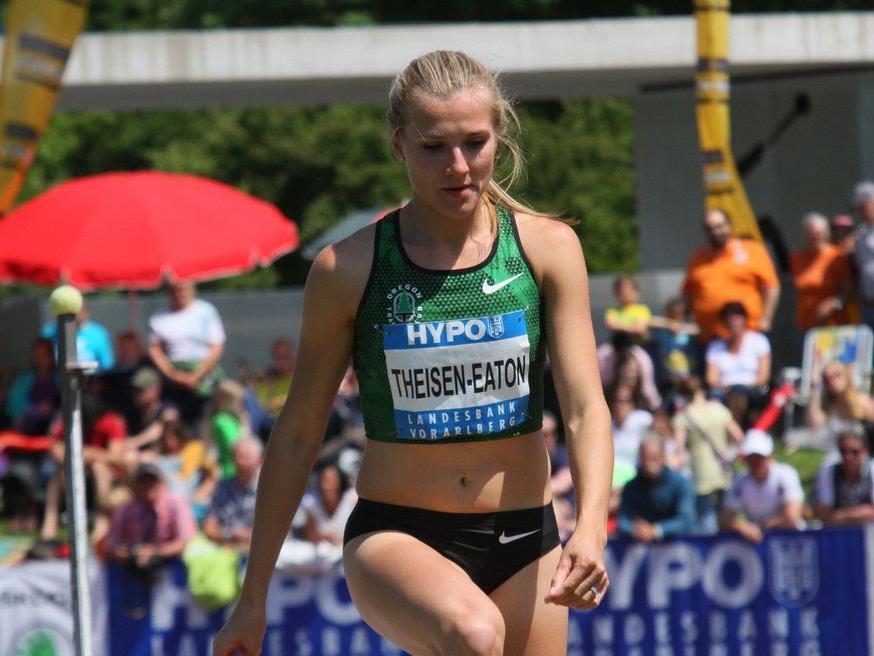 Titelverteidigerin Brianne Eaton-Theisen aus Canada führt nach dem ersten Wertungstag.