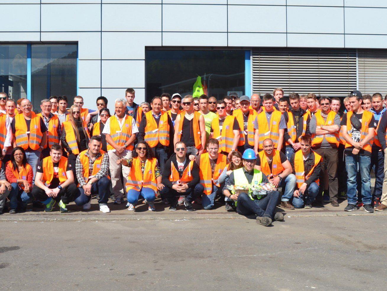 Die zukünftigen Recyclisten aus der Schweiz bekamen bei Loacker in Götzis Einblick in Möglichkeiten und Beruf eines Recyclisten.