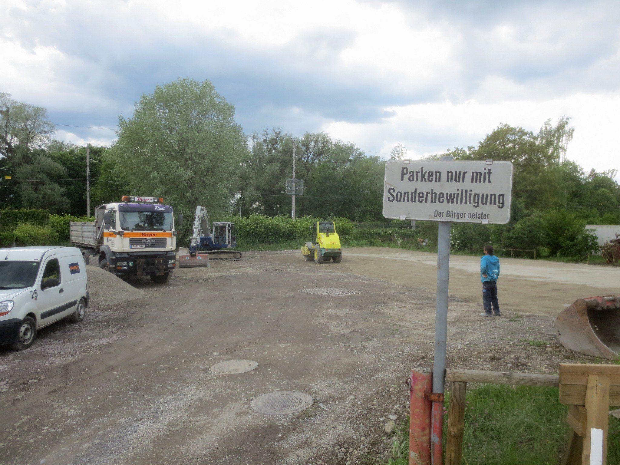 Erneuerung des Parkplatzareals rund um das Hebewerk (Pumpstation) vor der Unterführung zum Schwarzbad.