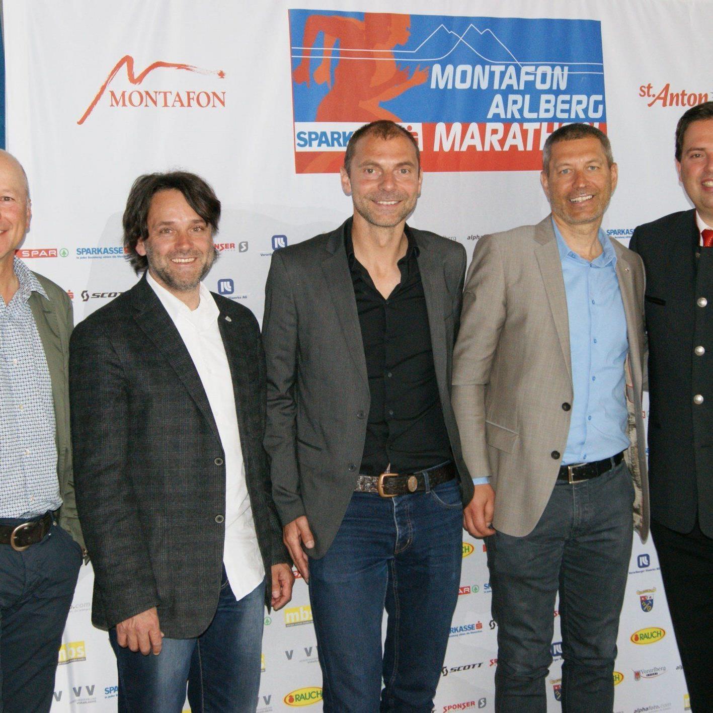 Die Organisatoren des Montafon Arlberg Marathon sind zufrieden mit den bisherigen Vorbereitungen. (v.l.n.r.) Christian Ertl (Vorstandsvorsitzender Sparkasse Bludenz), Thomas Zudrell (OK Präsident), Günter Ernst (Sportliche Leitung), Peter Mall (Rennleitung), Manuel Bitschnau (GF Montafon Tourismus)