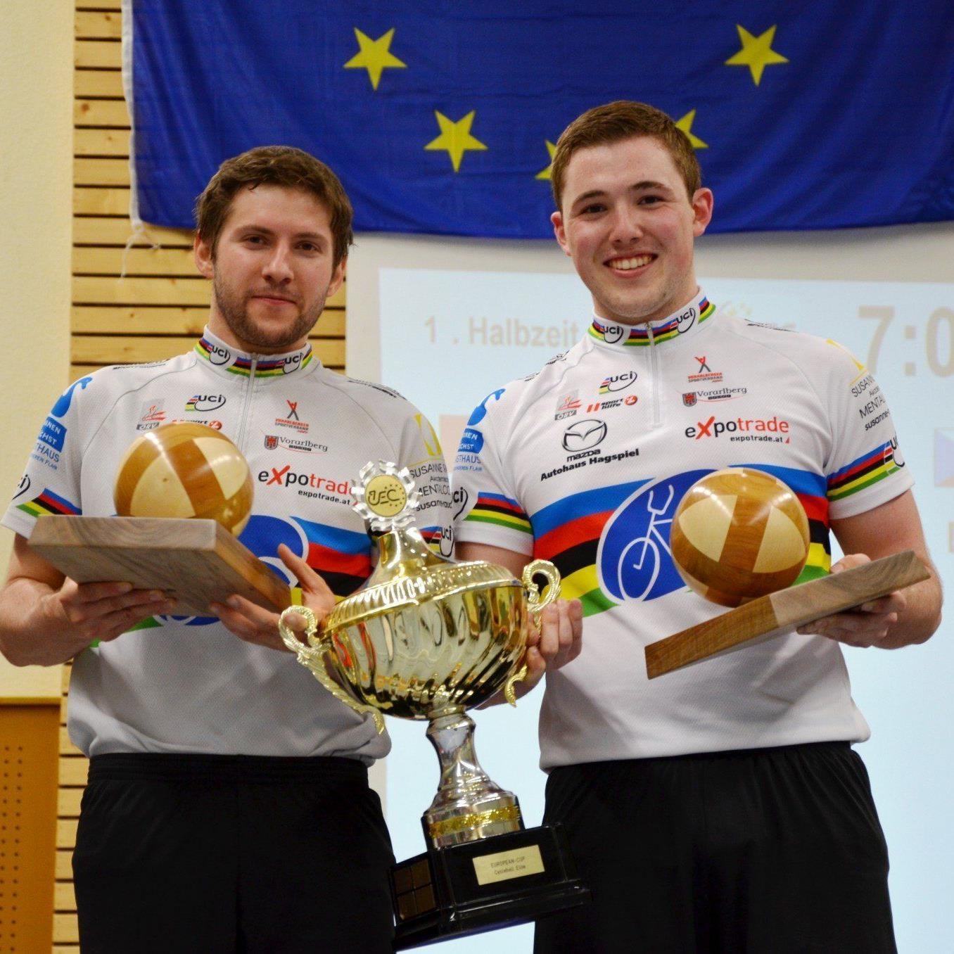 Die Weltmeister Schnetzer und Bröll kürten sich nun auch zum EC-Sieger.
