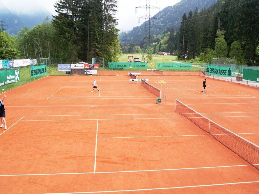 Die Clubanlage des TC St. Gallenkirch-Gortipohl im Schattenort.