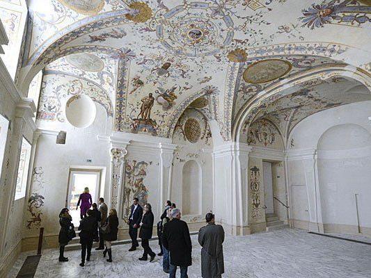 Prominenter Andrang im Wiener Belvedere.