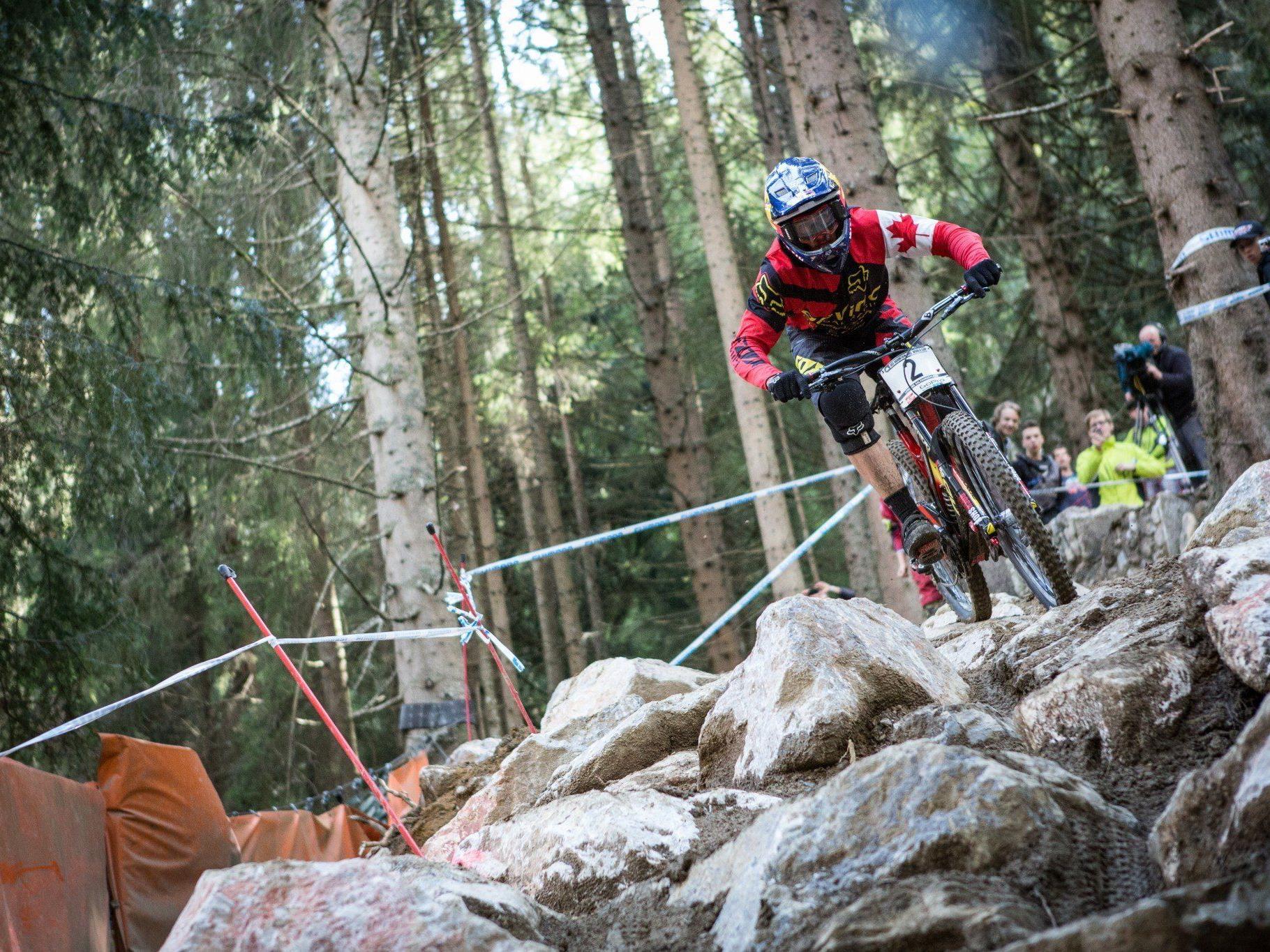 Biker dürfen sich auf anspruchsvolle Downhill-Passagen freuen