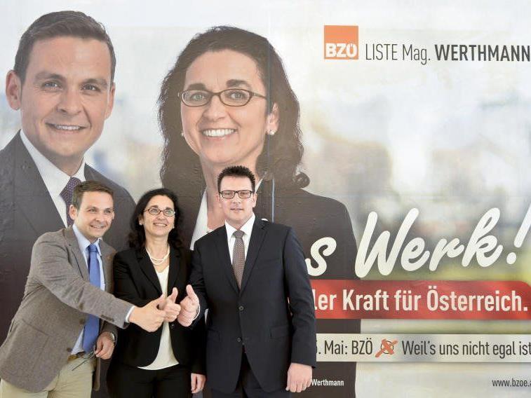 Angelika Werthmann (m.), BZÖ-Spitzenkandidatin für die EU-Wahl, BZÖ-Obmann Gerald Grosz (l.) und Bündniskoordinator Willi Korak