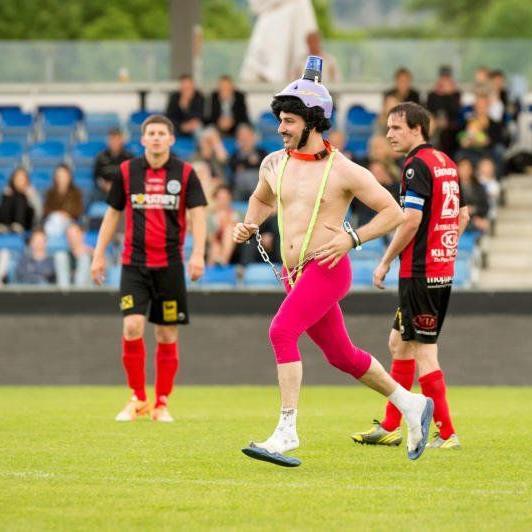 Ein Flitzer sorgte beim Regionalligaderby Altach Amateure und Hard für großes Aufsehen.