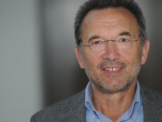 Der Historiker Meinrad Pichler erhält den Wissenschaftspreis 2014 des Landes Vorarlberg.