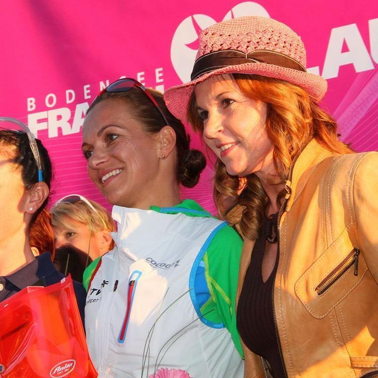 Die beiden Siegerinnen und Stars in der Frauenlaufszene: Sabine Reiner und Sandra Urach.
