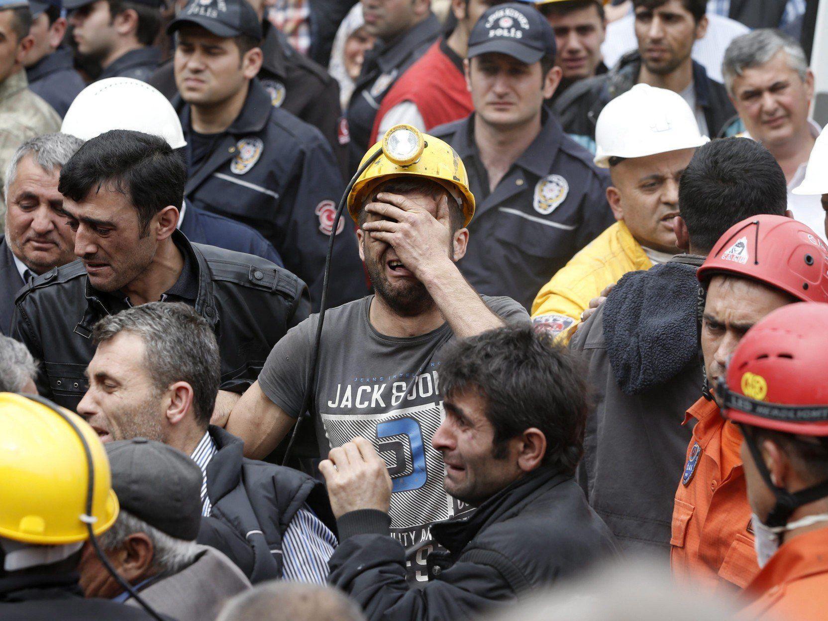 Beim verheerendsten Grubenunglück in der Geschichte der Türkei sind mehr als 200 Menschen gestorben.