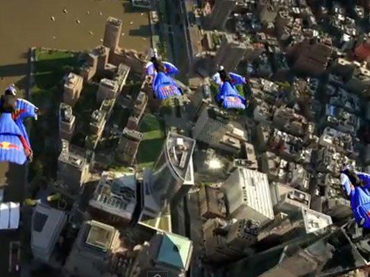 Manhattan unter den Flügeln.