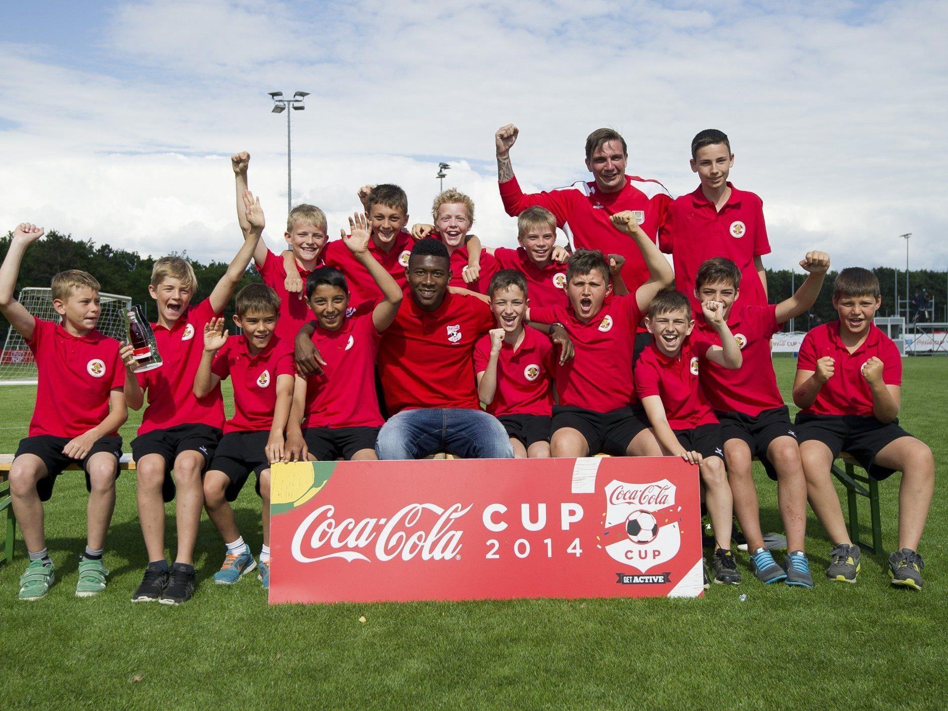 Absoluter Höhepunkt - die U12 Rothosen trafen beim Coca Cola Cup 2014 Superstar David Alaba.