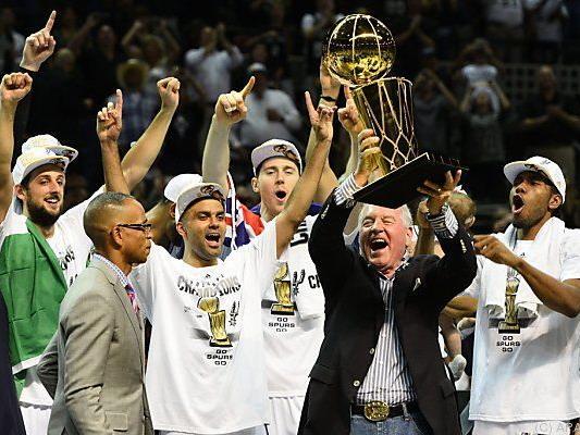 Der Pokal wandert nach San Antonio
