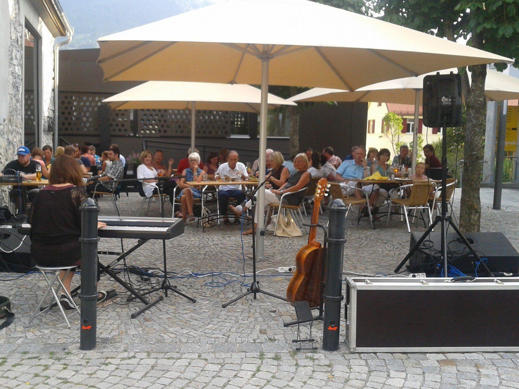 Donnerstag, 26. Juni: Feierabend-Treff mit Live-Musik zum 1-Jahr-Jubiläum - Ekkehard Breuss live in concert.