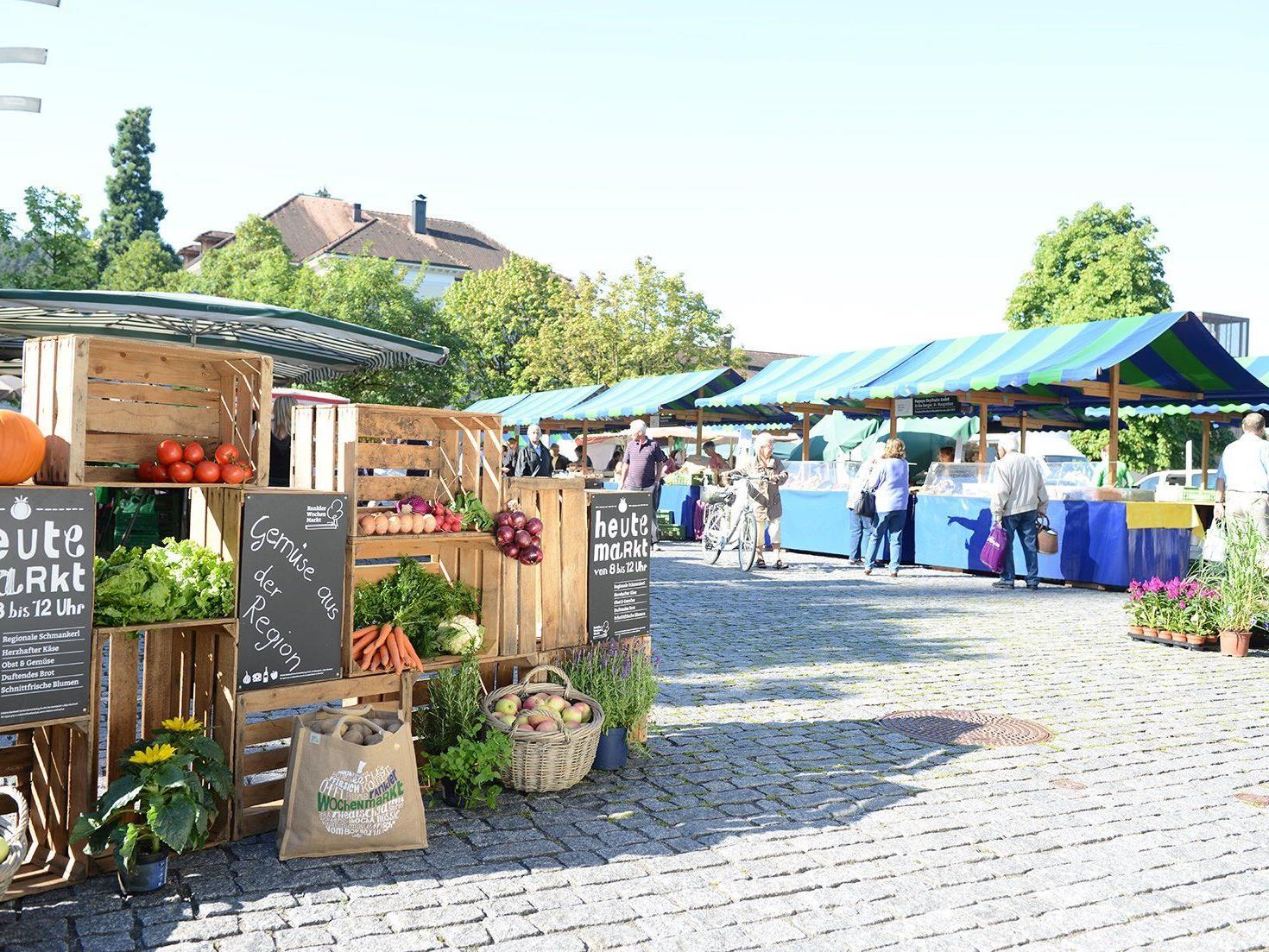 """BU: Unter dem Motto """"Genuss am Marktplatz"""" präsentieren sich am Mittwoch, 25. Juni, die Rankler Marktfahrer."""