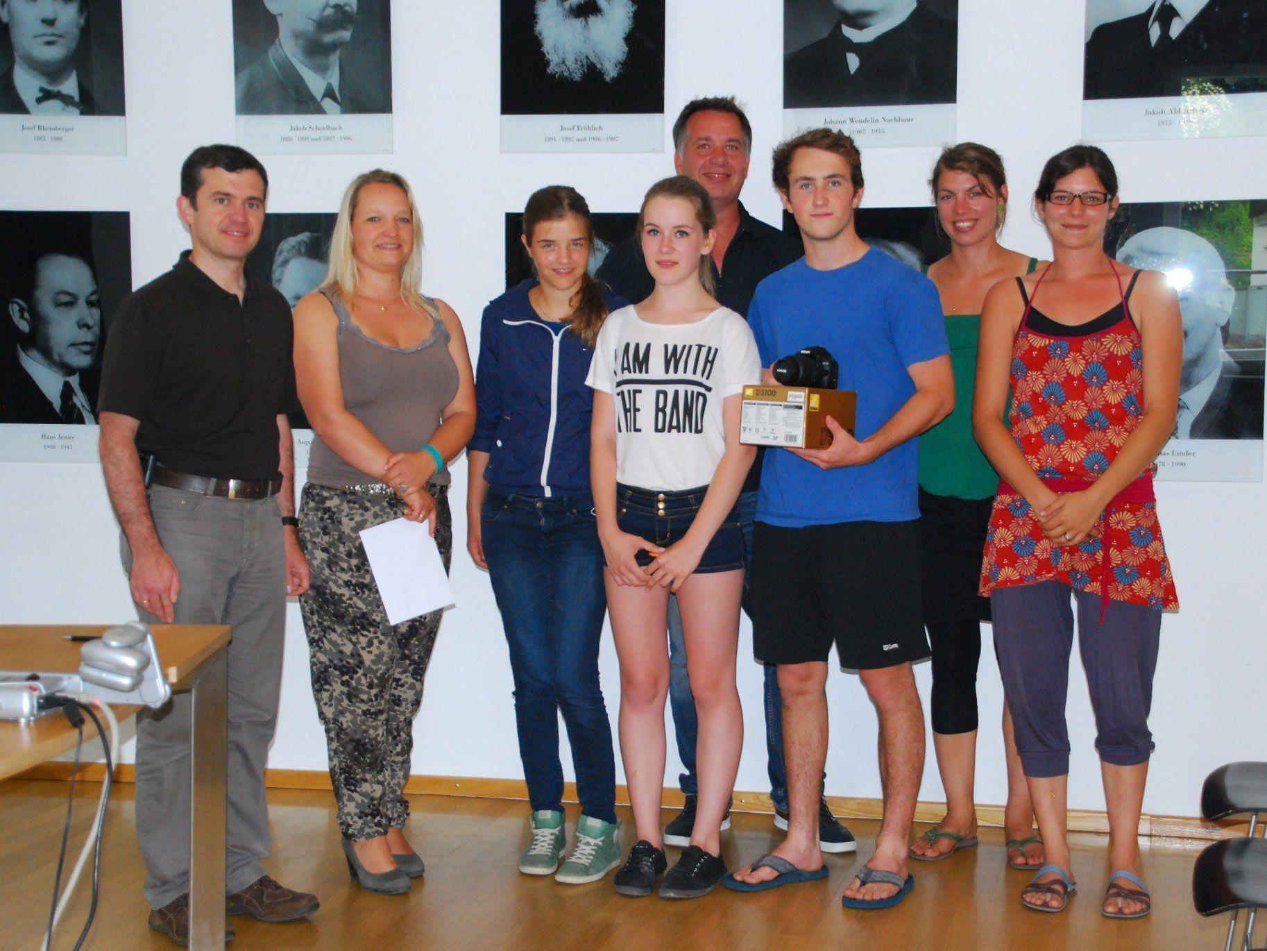 Die Sieger des Rankweiler Fotomarathons bei der Verleihung im Rathaus