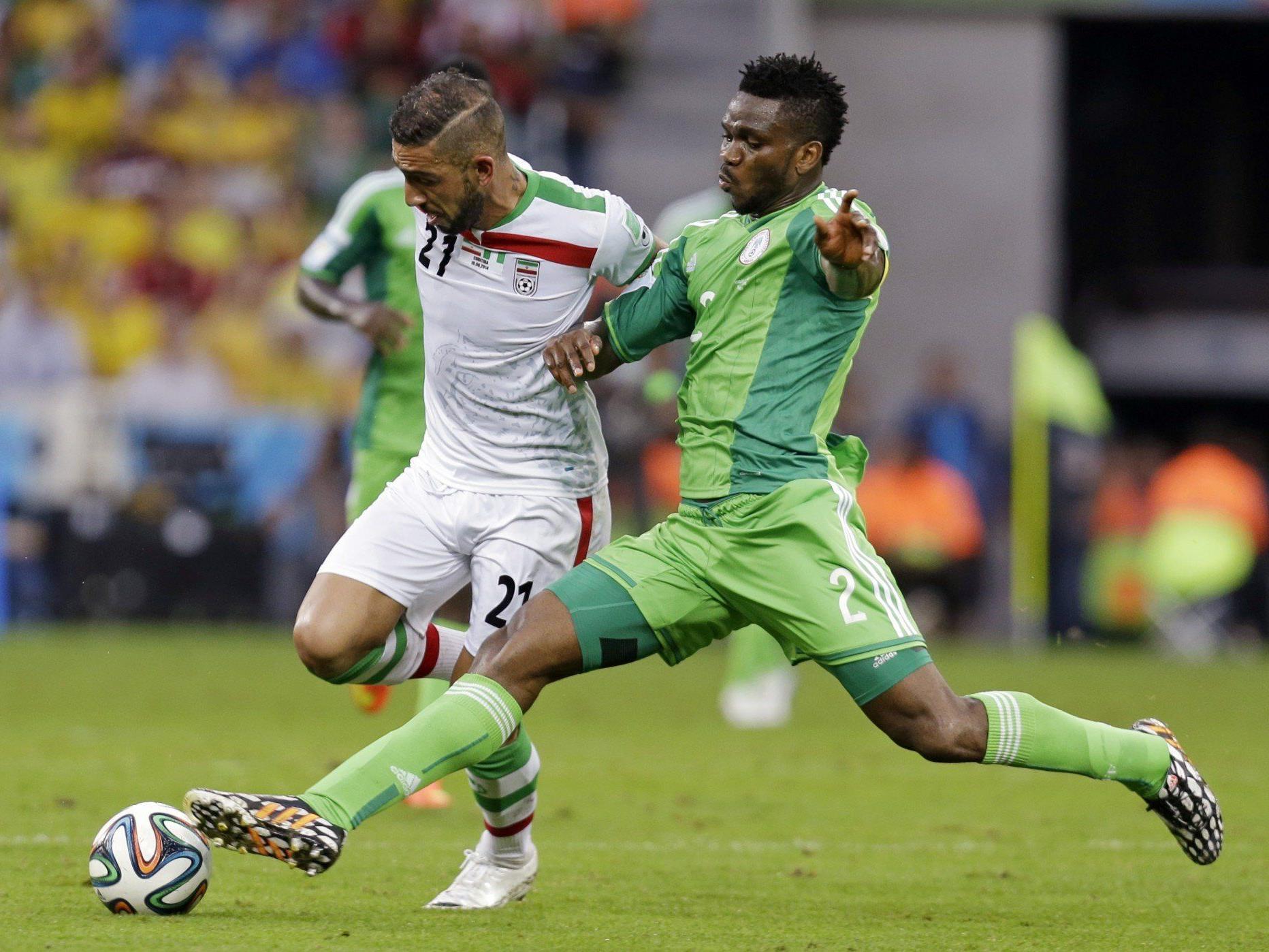 Viele Zweikämpfe und wenig Torchancen zwischen Nigeria und dem Iran.