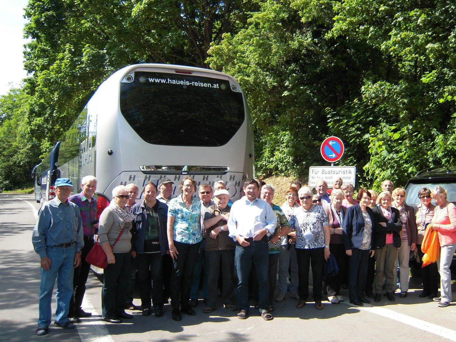 Tagesausflug nach Lippertsreute zum Hof Neuhaus Apfelzügle.