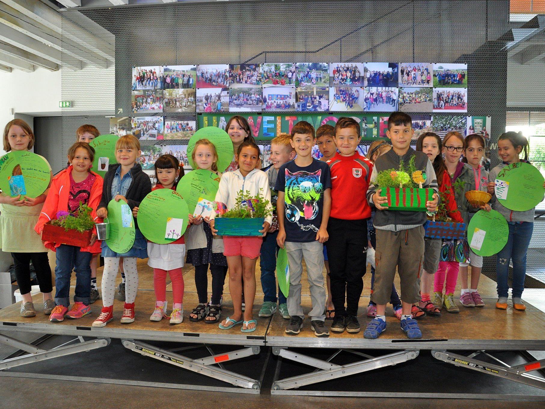 35 Schulklassen präsentierten ihre Umweltprojekte in der inatura.