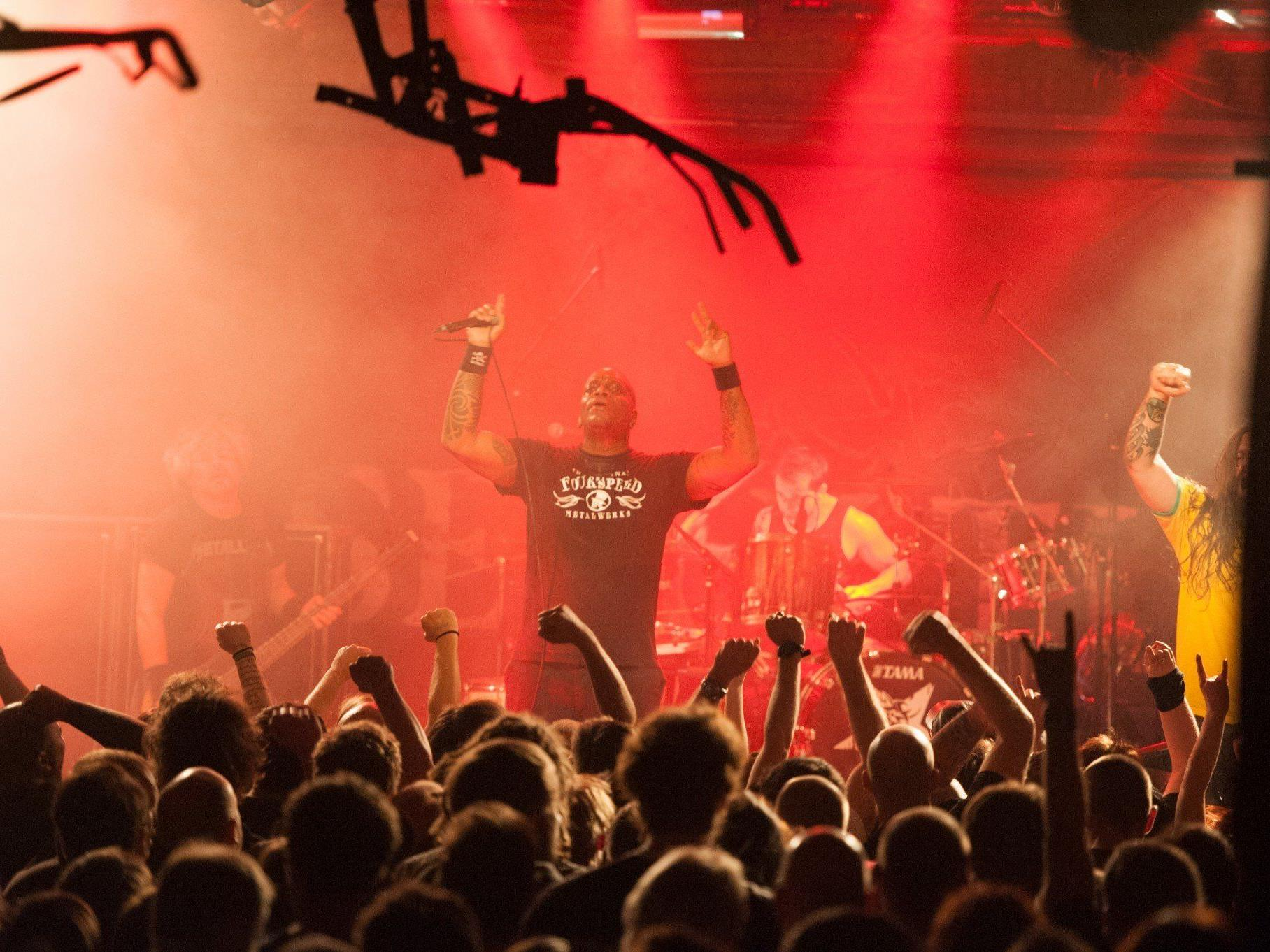 Das Conrad Sohm brodelte, als Sepultura den Kultursommer eröffneten.