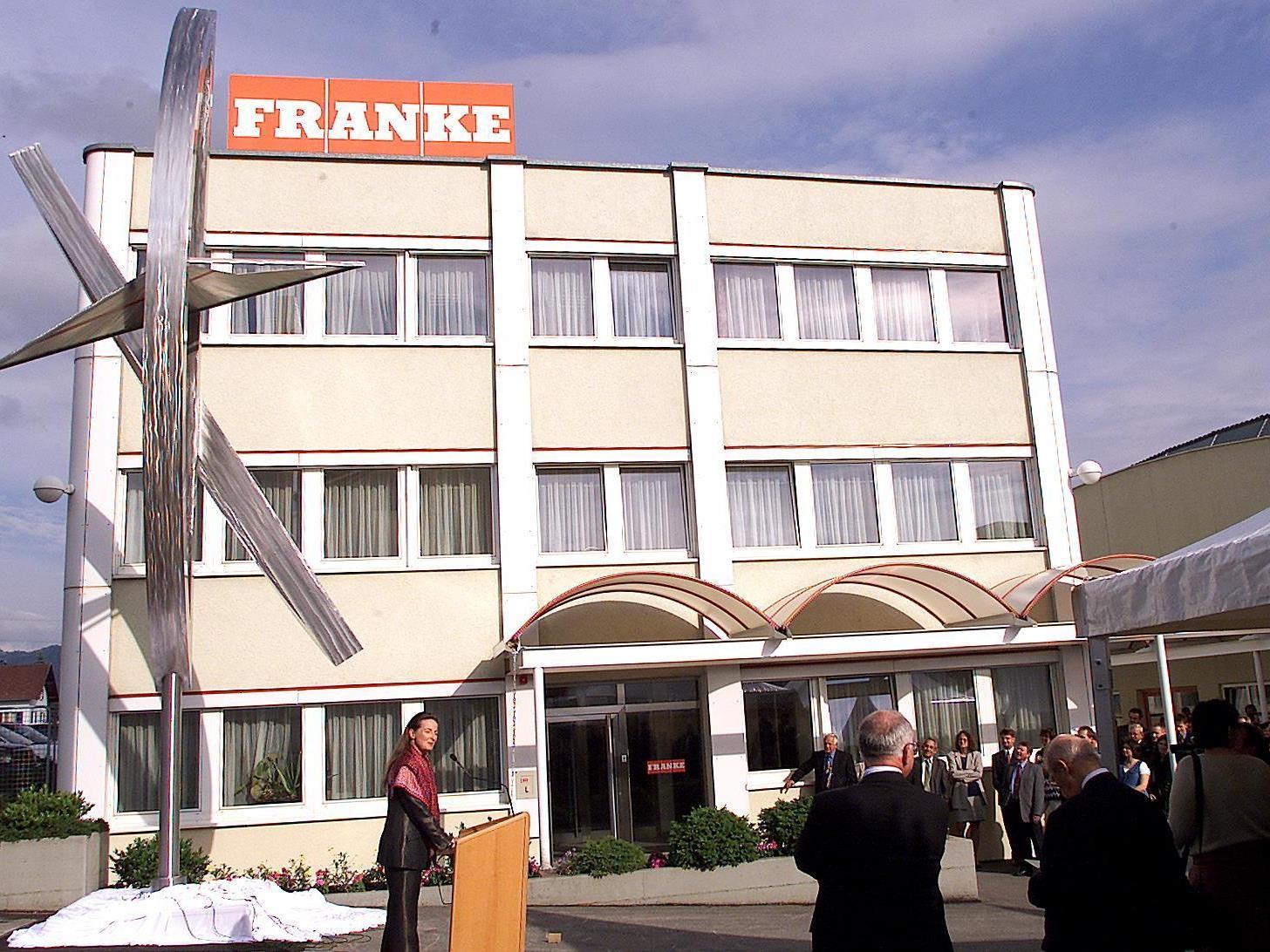 Bessere Zeiten: Zum 40-jährigen Jubiläum wurde noch eine Edelstahlskulptur vor der Firmenzentrale eingeweiht.