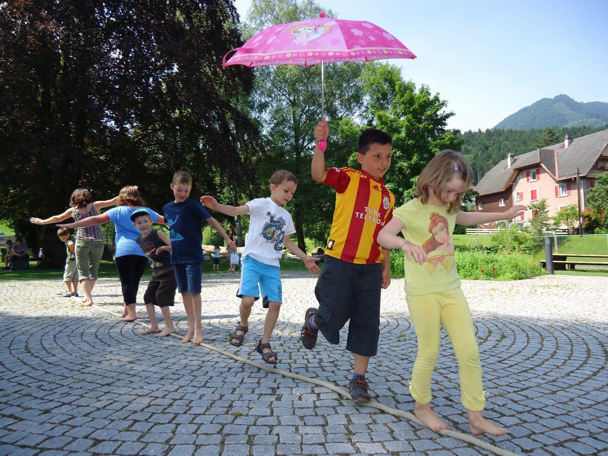 """Friedensreich Regentag Dunkelbunt Hundertwasser"""", der wilde Wilde Westen"""" und """"Circus Maximus"""" sind drei Programmpunkte im Frastanzer Ferien-Sommer."""