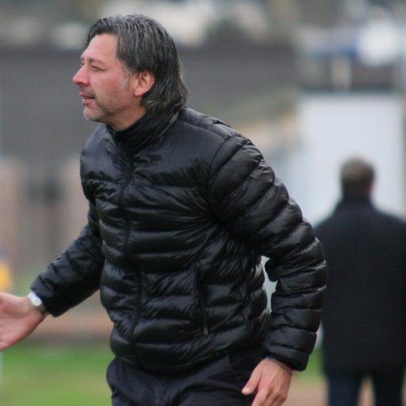 SW Bregenz Coach Hans Kogler freut sich über die Verpflichtung von Wunschspieler Uli Winkler.