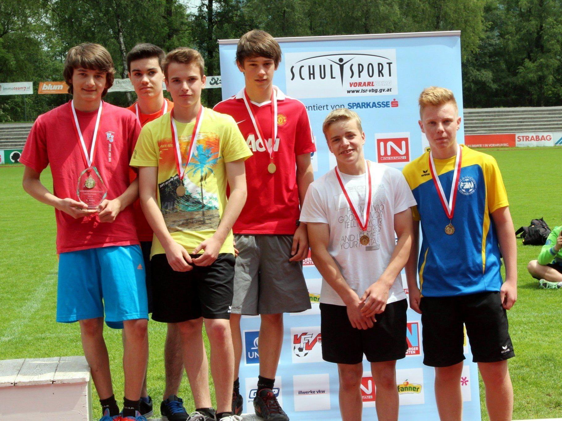 Das Leichtathletikteam der HS Egg.
