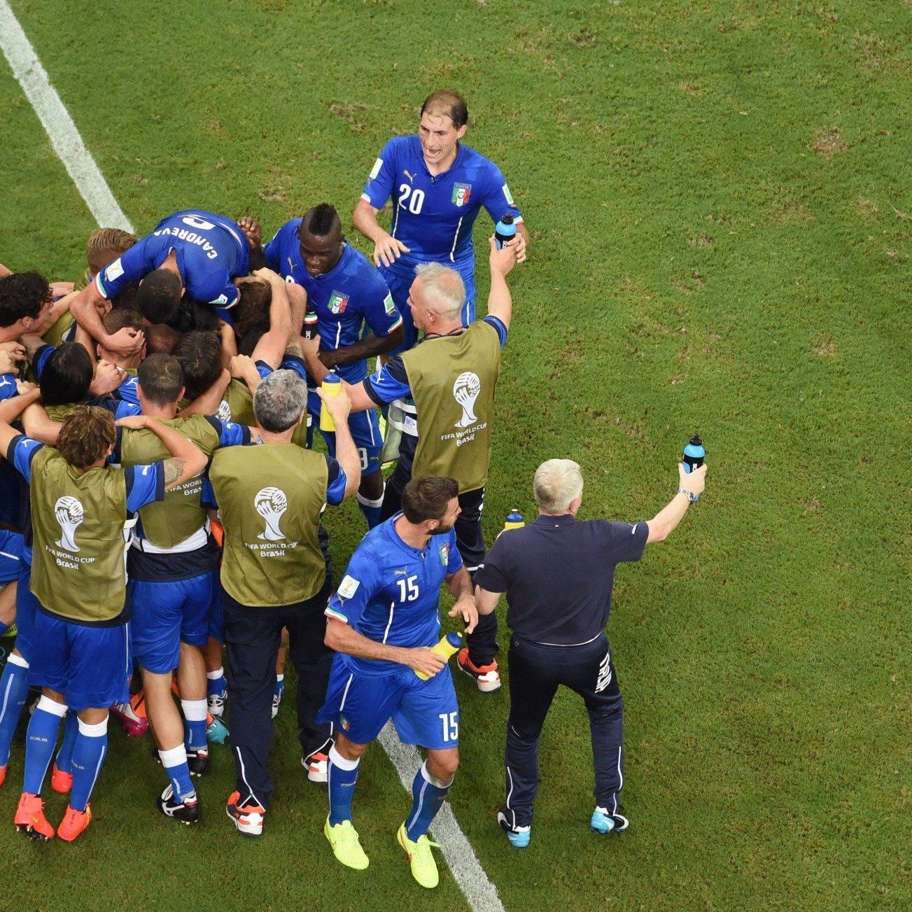 Italien setzt sich im Topspiel des 3. Tages in der Gruppe D gegen England mit 2:1 durch.