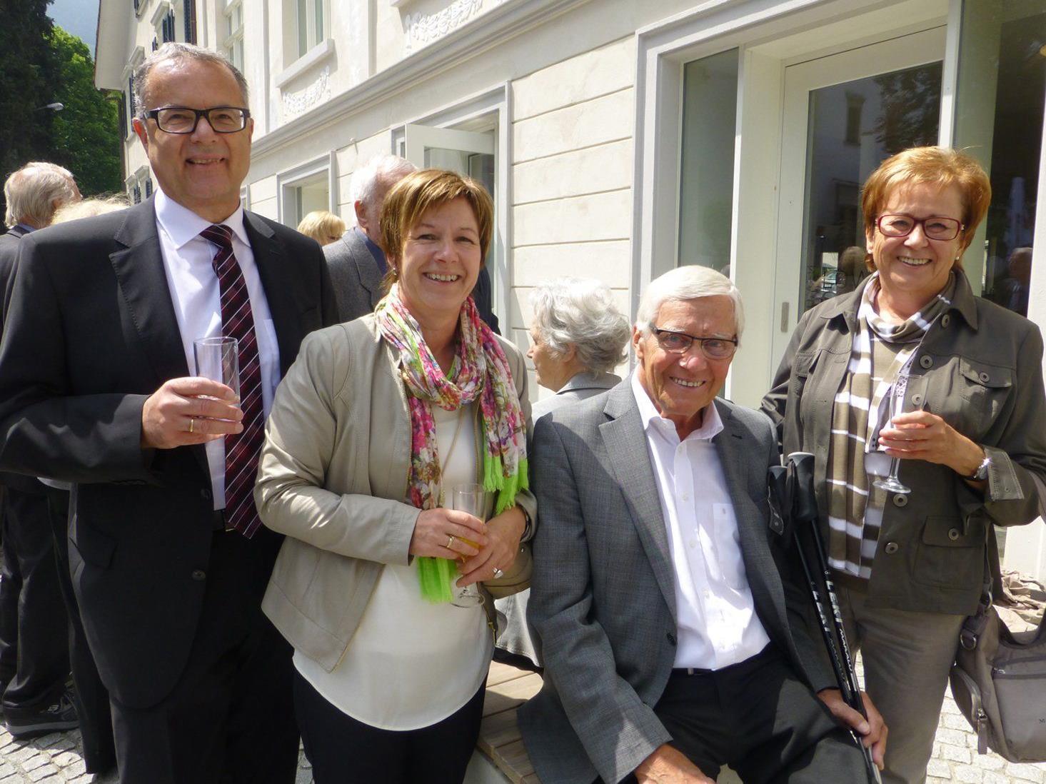 Vize-Bgm. Günter und Hildegund Linder gratulierten Walter und Hildegard Drexel zum Ehejubiläum. (v.l.)