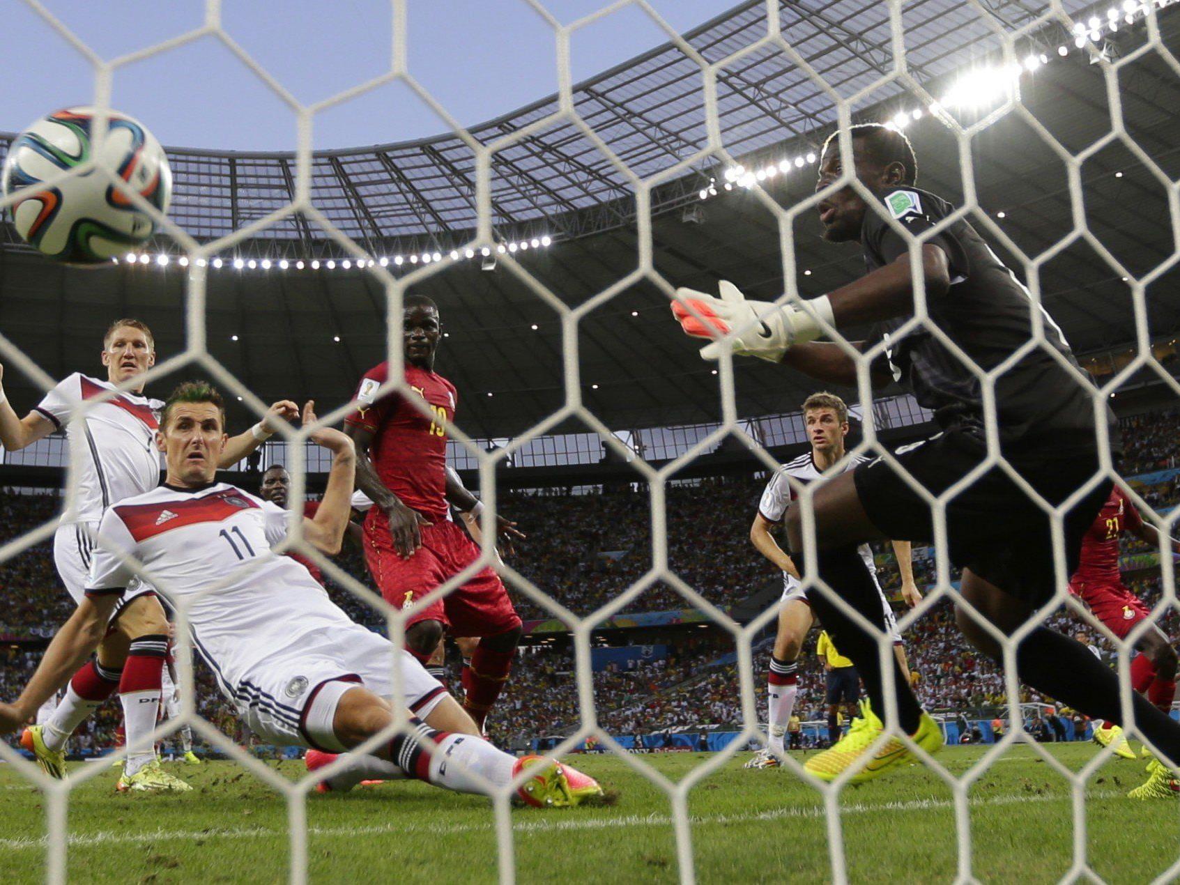 Klose schloss mit 15. WM-Treffer zu Ronaldo auf.