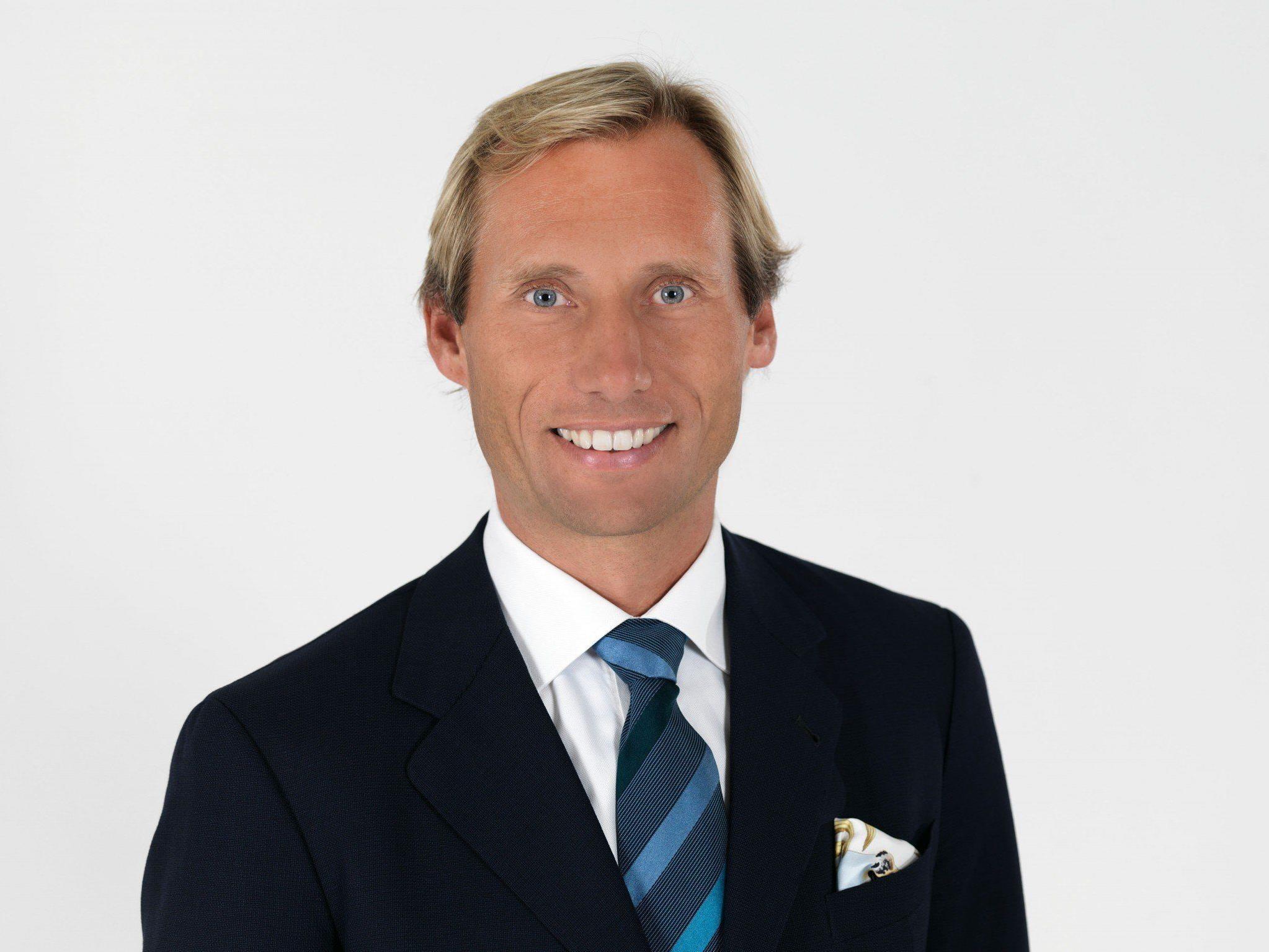 Dr. Georg Hoblik, seit 2008 Vorstand der Silvretta Montafon Bergbahnen AG, übergibt an seinen Vortandskollegen Peter Marko.