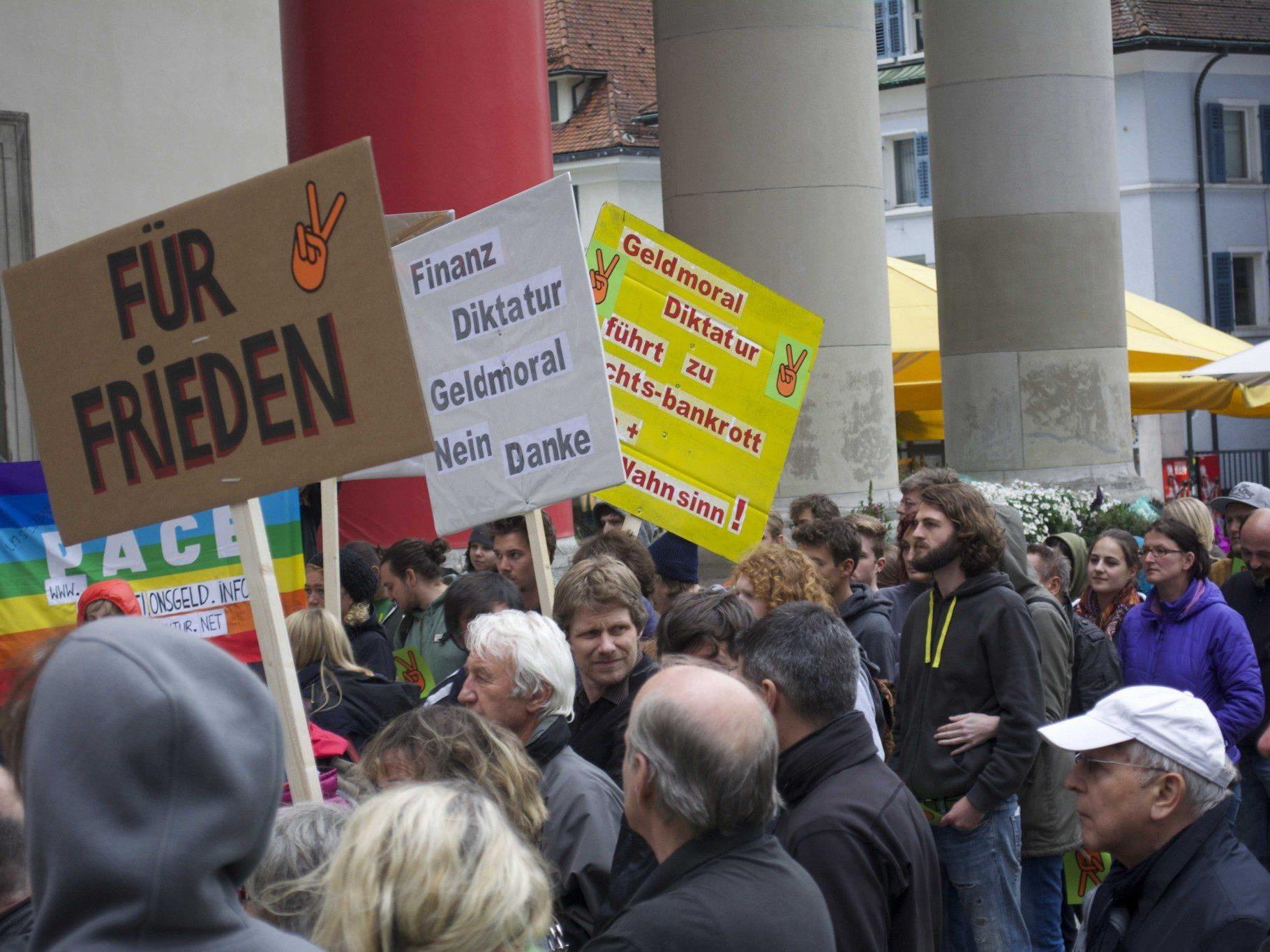 Jeden Montag, ab 19.15 Uhr, versammeln sich engagierte Bürger am Marktplatz in Dornbirn.