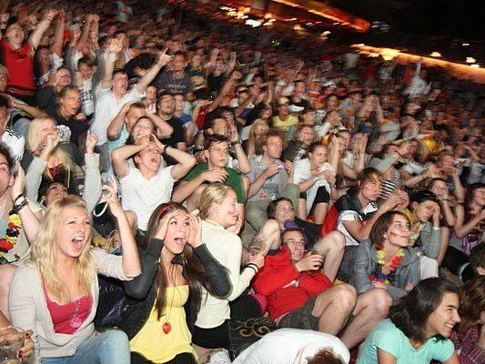 Beliebt bei Fußball-Großevents wie der WM 2014: Public Viewing in der Strandbar Herrmann in Wien