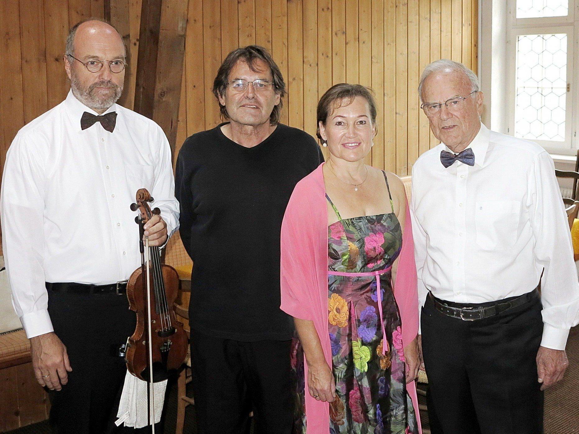 """""""Wiener Schmäh"""" mit Thomas Furrer, Kurt Sternik, Birgit Plankel und Ernst Rahofer."""