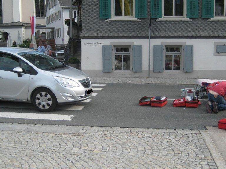 Die Frau musste schwerverletzt ins LKH Feldkirch eingeliefert werden.