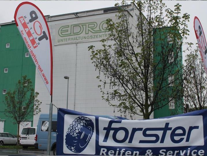 """Nach einem kurzen """"Gastspiel"""" der Wedl-Niederlassung hat Reifen-Forster das Areal samt Gebäuden übernommen."""