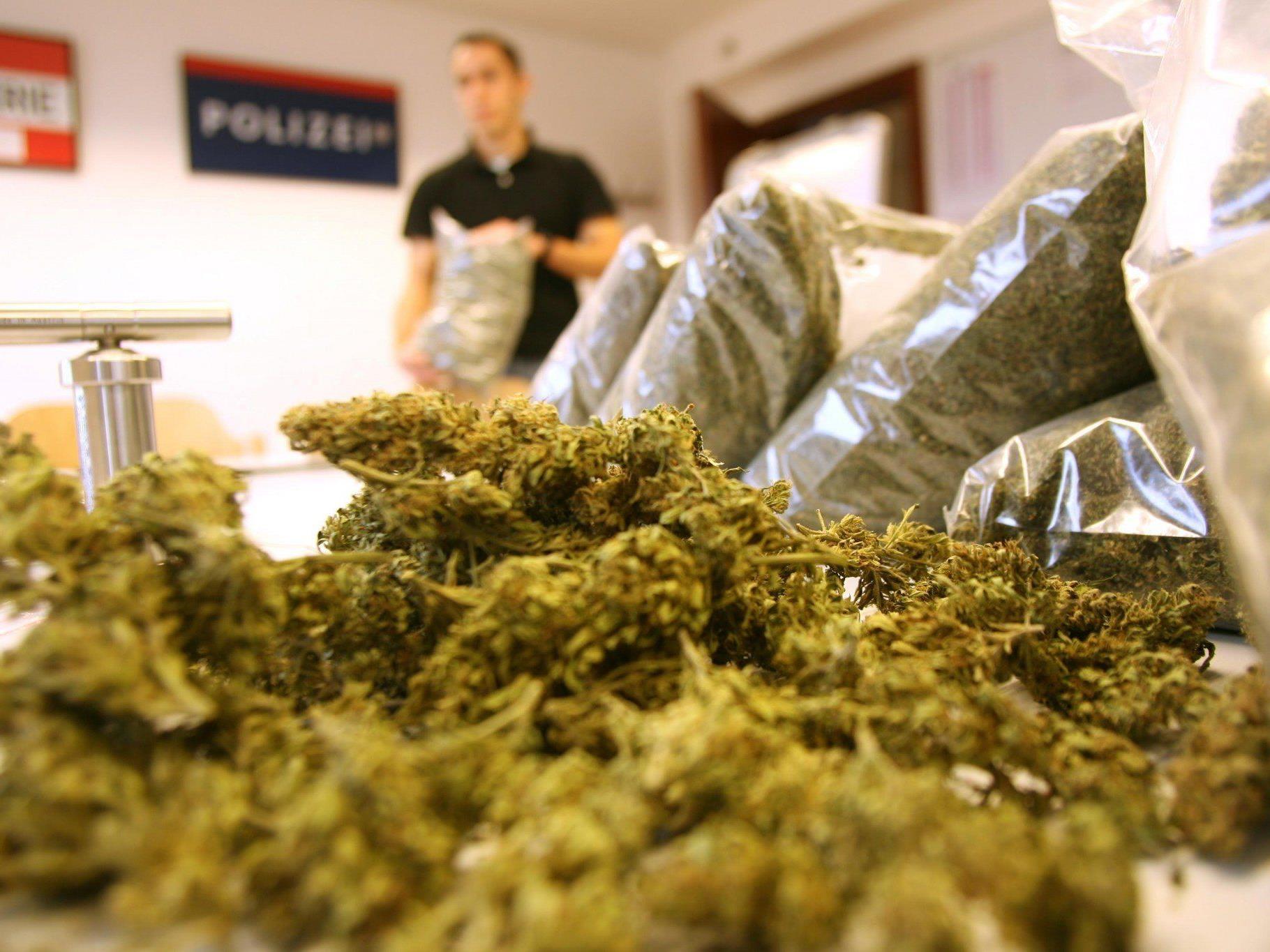 Der Angeklagte fungierte als Warenlager für das Marihuana.