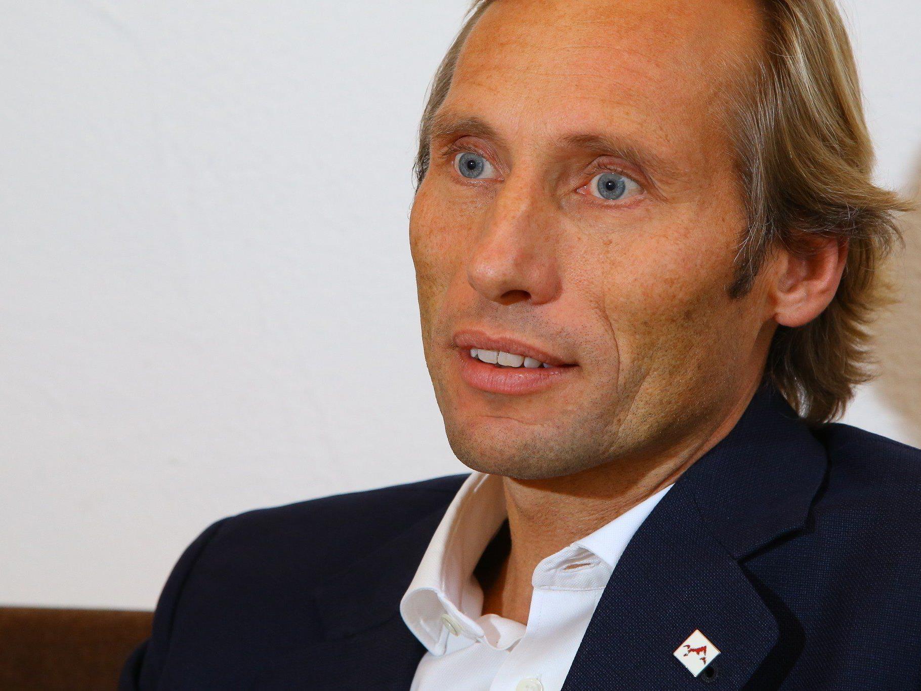 Hoblik wird auf jeden Fall weiter im Montafon aktiv sein, wie Aufsichtsratsvorsitzender, BTV-Vorstandsvorsitzender Peter Gaugg, präzisiert.