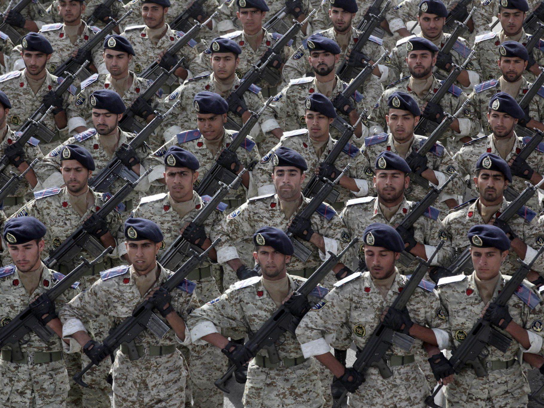 Der Iran versetzt seine Truppen an der Grenze zum Irak in Bereitschaft.