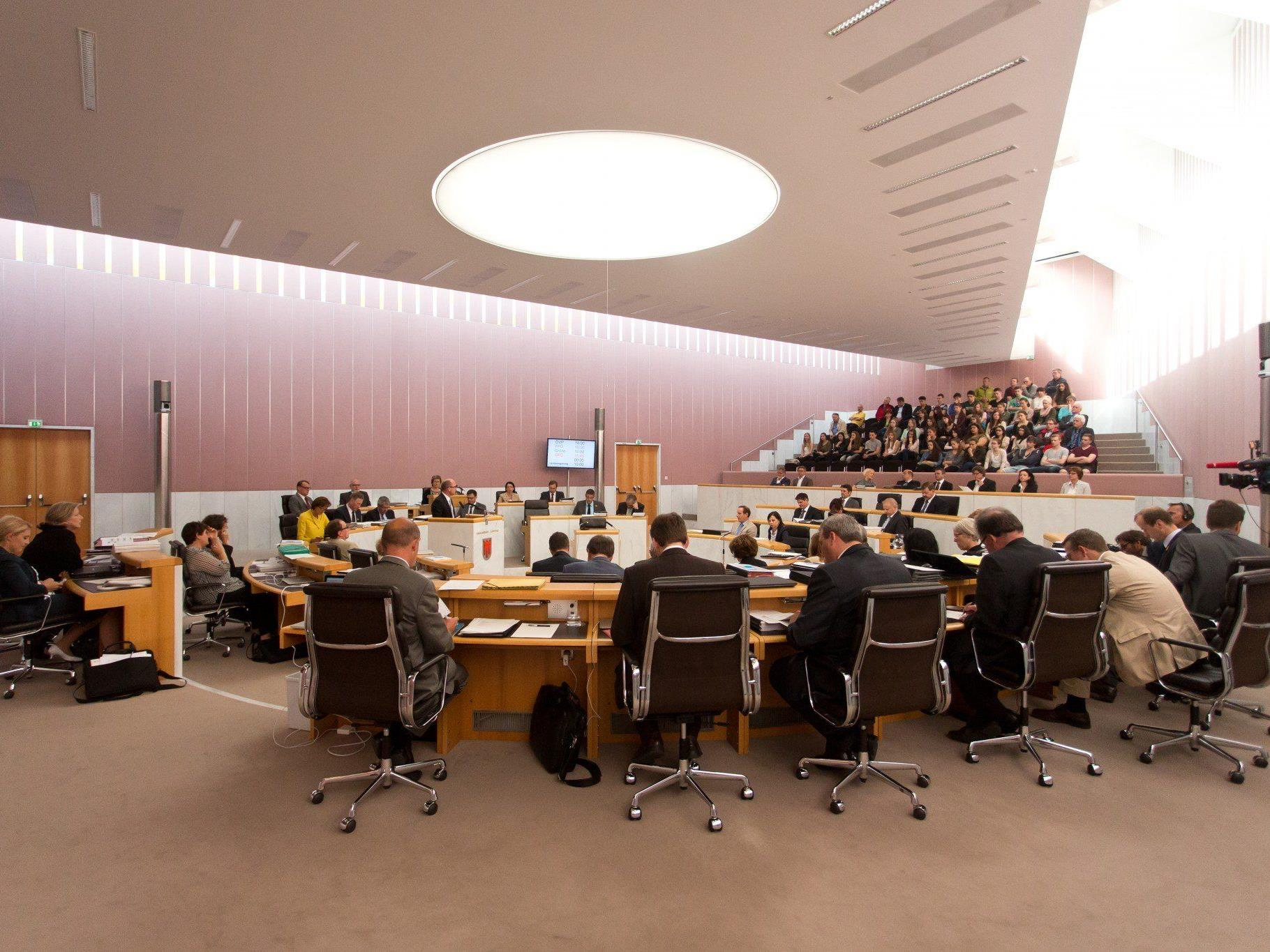 Mit einer Doppelsitzung verabschiedet sich der Landtag aus einer arbeitsreichen Legislaturperiode.