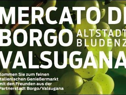 Mercato di Borgo/Valsugana in Bludenz: Verschiedene Marktanbieter präsentieren typische Produkte.