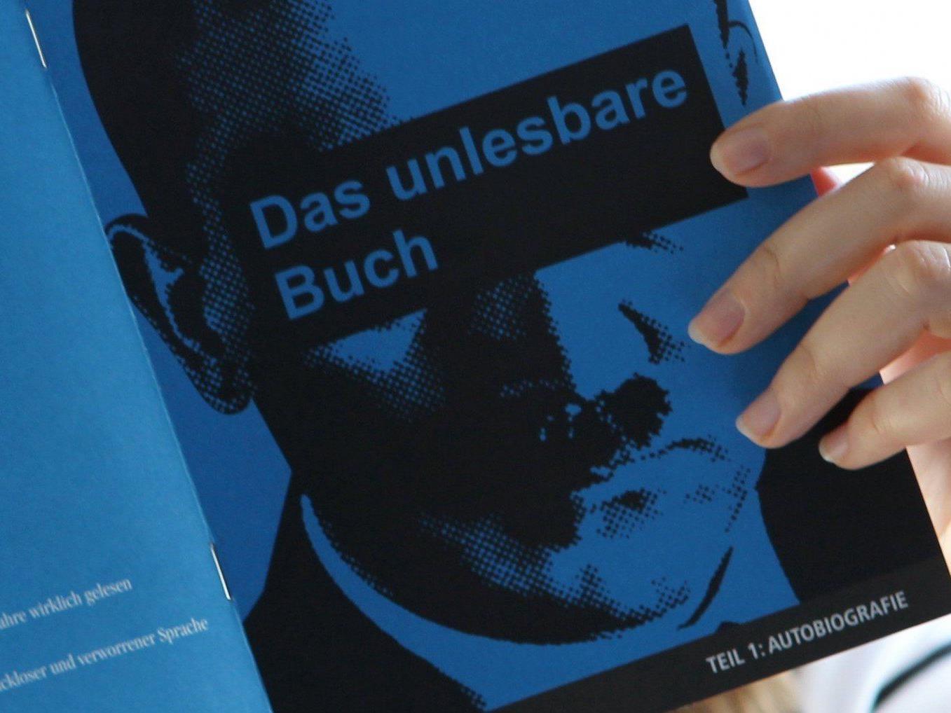 """Wissenschafter wollen nicht Satirikern die Deutungshoheit über """"Mein Kampf"""" überlassen - ganz zu schweigen von rechtsextremen Kameradschaften"""