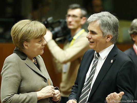 Faymann und Merkel beim Gipfel-Auftakt dabei