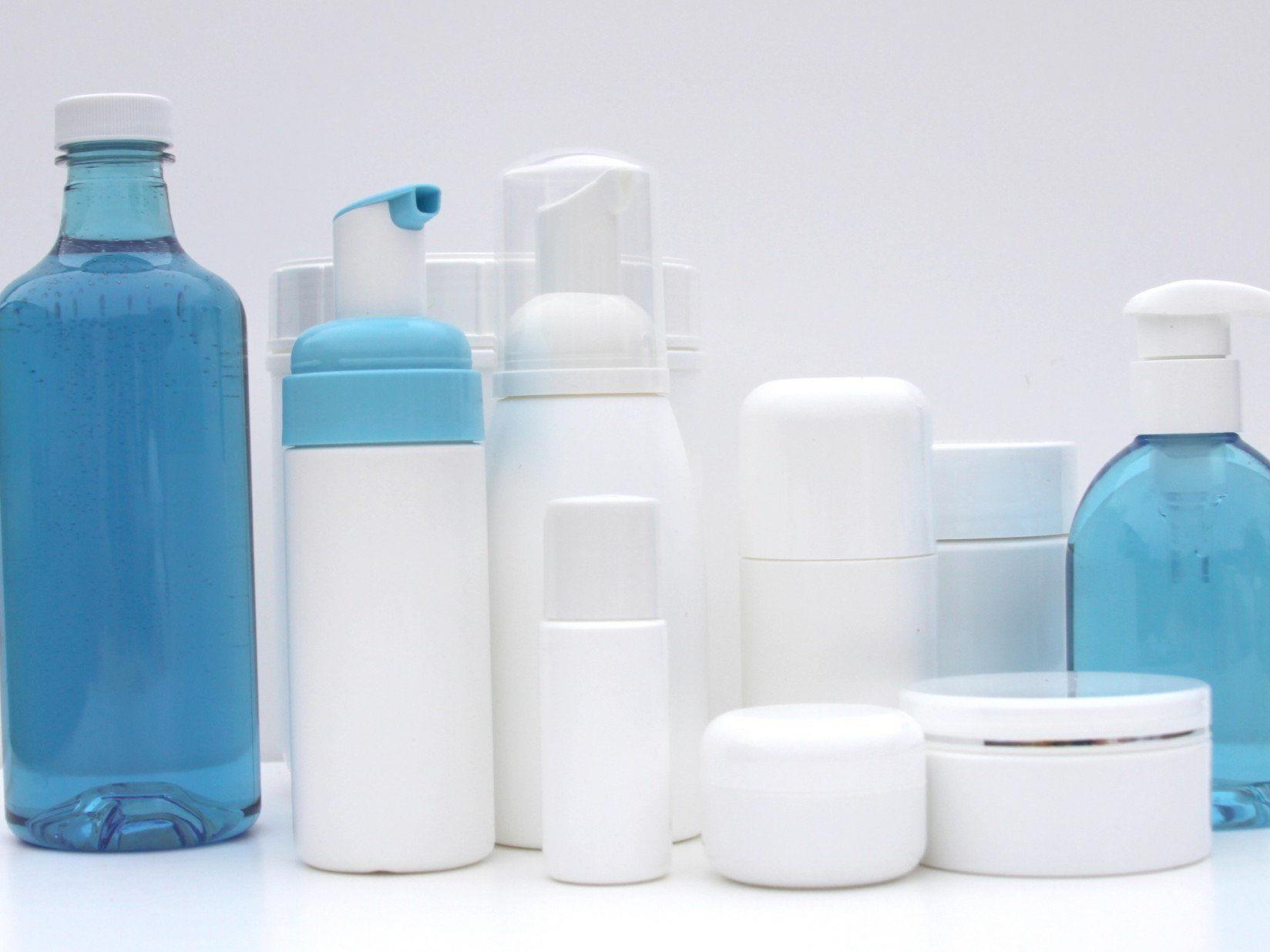 Mikroplastik in Kosmetika: Winzige Plastik-Teilchen gelangen in Gewässer und Nahrungskette