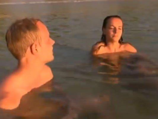 """""""Singles - nackt wie Gott sie schuf - auf einer tropischen Insel"""""""