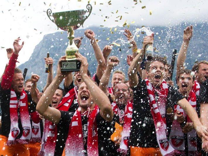 Regionalliga West wir kommen sang Vorarlbergligameister FC Bizau nach dem zweiten Triumph innert drei Jahren.