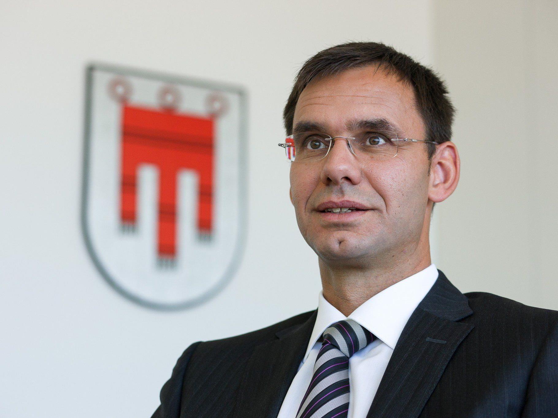 LH Wallner will Schulverwaltung in Länderhand.