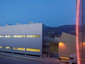 Neue Produktionsanlagen in den Dornbirner Leuchten- und Komponentenwerken.
