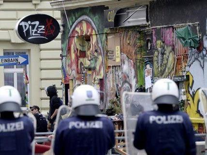 """""""Pizzeria Anarchia"""" - Hauseigentümer schon länger im Fokus der Stadt"""